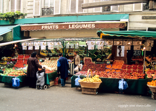 Fruits-Legumes at Market