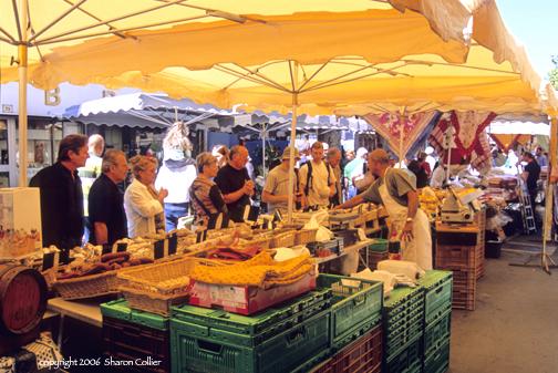 Food Market of Apt